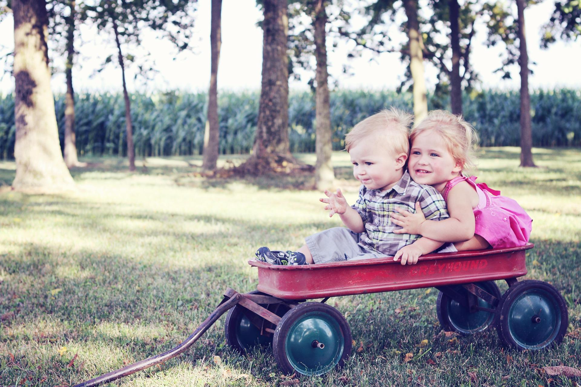 子育て LGBT 結婚 出産 差別
