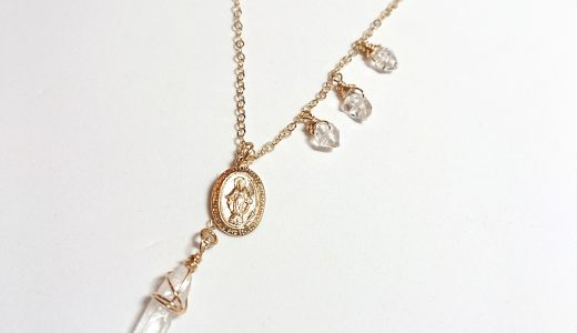ハーキマーダイヤモンドとマリアのメダイのスターネックレス
