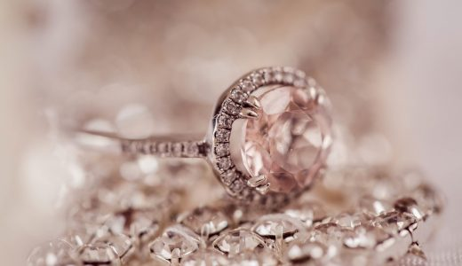 宝石が欲しい!10分の1の価格で自分に合ったジュエリーを手に入れる方法